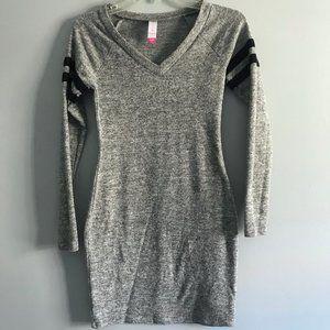 Grey Long-sleeved V-neck Sweater dress/tunic XS